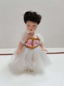 Muñeca de porcelana de los años 80: con vestido de bailarina