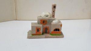 figura: Cabaña arabe para el belen de plastico. Medidas 7.5 cm alto x 8 de l...