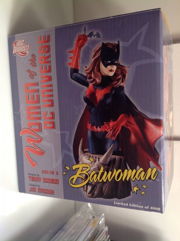 Women of the DC Universe Batwoman mini-bust MIB #3594/4000 Terry Dodson Direct