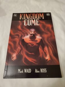 Kingdom Come 4 Near Mint- Cover by Alex Ross