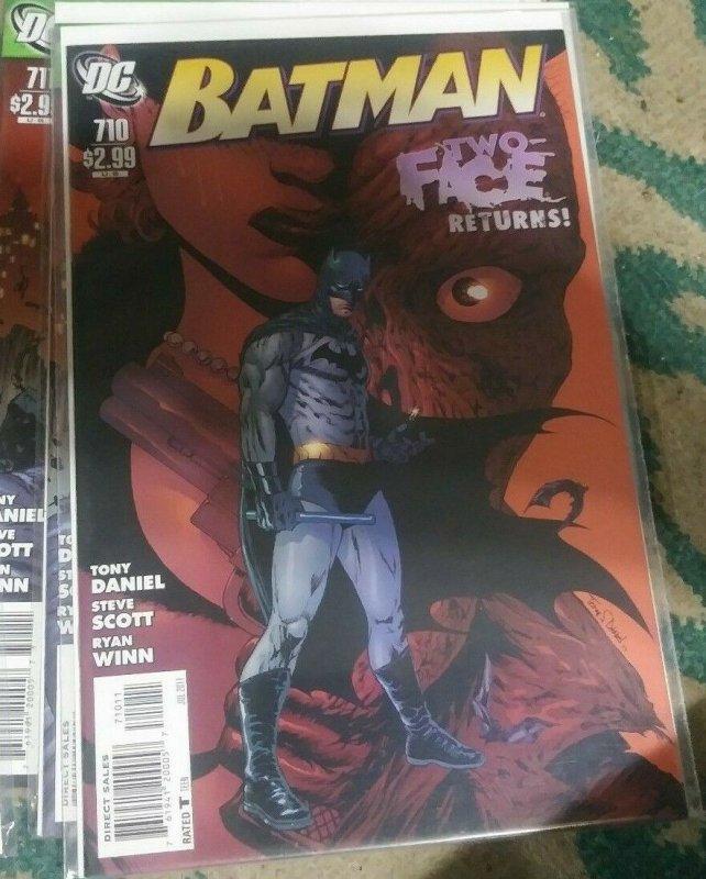 Batman #710  2011 dc comics  TWO FACE RETURNS  catgirl red robin