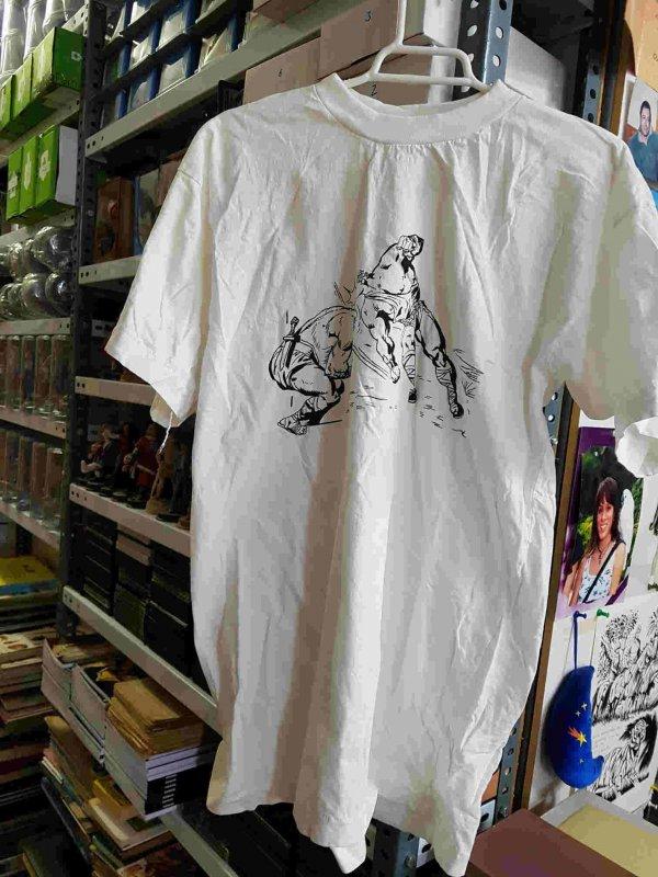 Camiseta El Coloso, El Principe de Rodas golpeando a un rival. Talla XL