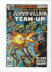 Super-Villain Team-Up #15 (1977) Marvel Comics Dr. Doom and TYhe Red Skull VF