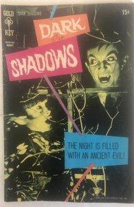 Dark Shadows #6 (1970)fantastic photo cvr! EeeeK!C all my Shadows!!