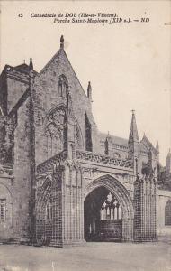 France Dol de Bretagne La Cathedrale Porche Saint-Magloire