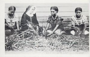 Futuna Pacific Islands Oceania native women manufacture of mats photo postcard