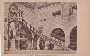 Palazzo Degli Scaligeri, La Scala, VERONA, Veneto, Italy, 00-10's