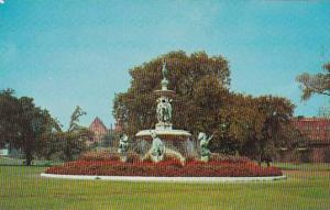 Connecticut Hartford Corning Fountain Bushnell Park