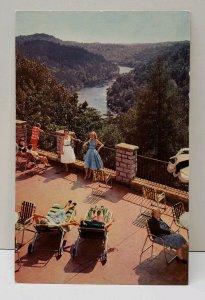 Corbin Kentucky, Dupont Lodge Terrace, Cumberland Falls State Park Postcard D1