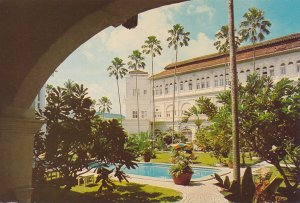 Singapore - Raffles Hotel in the Exotic East