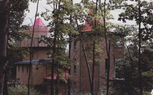 L'Auberge Du Chateau, Pointe-a-la-Garde, Gaspesie, Quebec, Canada, PU-1989