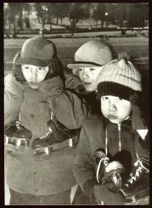 Minnesota, Kids braving the cold at Como Park, 1954
