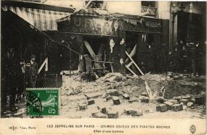 CPA LES ZEPPELINS SUR PARIS Effet d'Une Bombe (199982)
