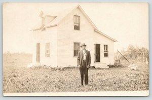Greenbush Minnesota~Clifford B @ Home in Yard~Sunday Best~Laundry Line~1908 RPPC
