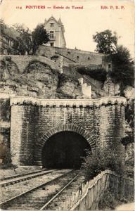 CPA POITIERS - Entrée du Tunnel (255731)