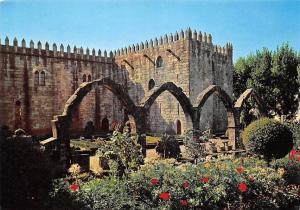 Portugal Braga Jardin St. Barbara et Bibliotheque, Garden Library