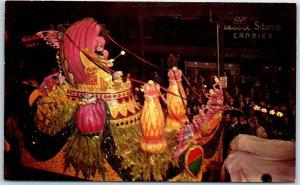 New Orleans, LA Postcard MARDI GRAS King Babylon Parade Float Street View 1950s