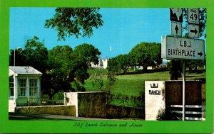 Texas Stonewall L B J Ranch Entrance and House