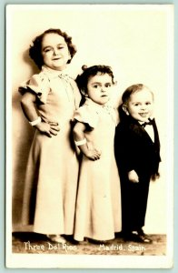 Madrid Spain~3 Del Rios Midgets~Trinidad (Carmen) Delores (Inez) Paul~1936 RPPC