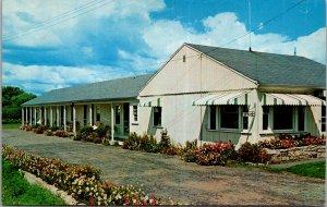 Lawrence Motel and Cottage York Beach Maine Hotel Ocean Coast vtg Postcard