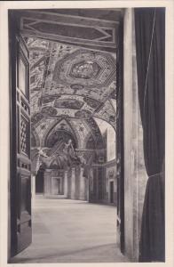 RP: VATICAN , 00-10s ; Ingresso alla Sala Ducale #2