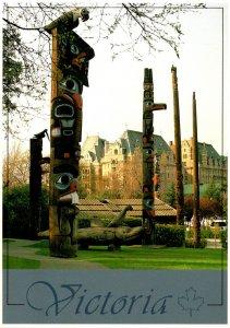 Canada British Columbia Victoria Thunderbird Park With Indian Totem Poles