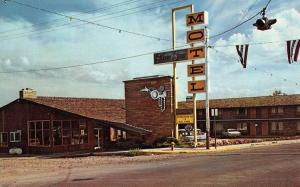 Burns Oregon Silver Spur Motel Street View Vintage Postcard K50482