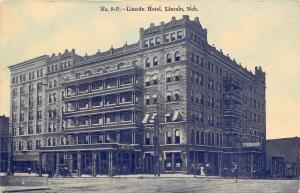 Lincoln Nebraska~Lincoln Hotel~Sidewalk Porte Cochere~Ladies~Gents~Car~1910 B&W