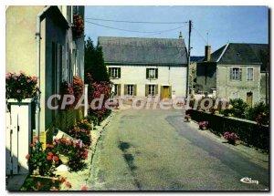Modern Postcard Mareuil sur Loir Sarthe Village flowers