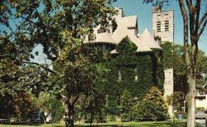 Providence, RI, University of Rhode Island, Davis Hall, Vintage Postcard g9005