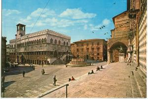 Italy, Perugia, Town Hall and particular of the Cathedral, unused Postcard