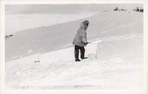 Alaska Kotzbue Eskimo Cutting Snow Blocks Real Photo