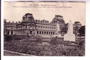 Museum Louvre, Bartholome 1914-1918, Paris, France B&W