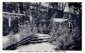 MO - St Louis. Forest Park. Jewel Box, White Christmas Display