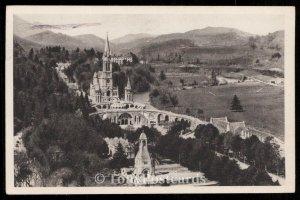 La Basilique et le Monument Interallie vus du Chateau Fort
