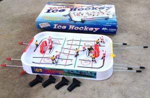 Vintage Table Top Ice Hockey Plastic/Metal Game # IH665 MADE USA Toy Feldstein