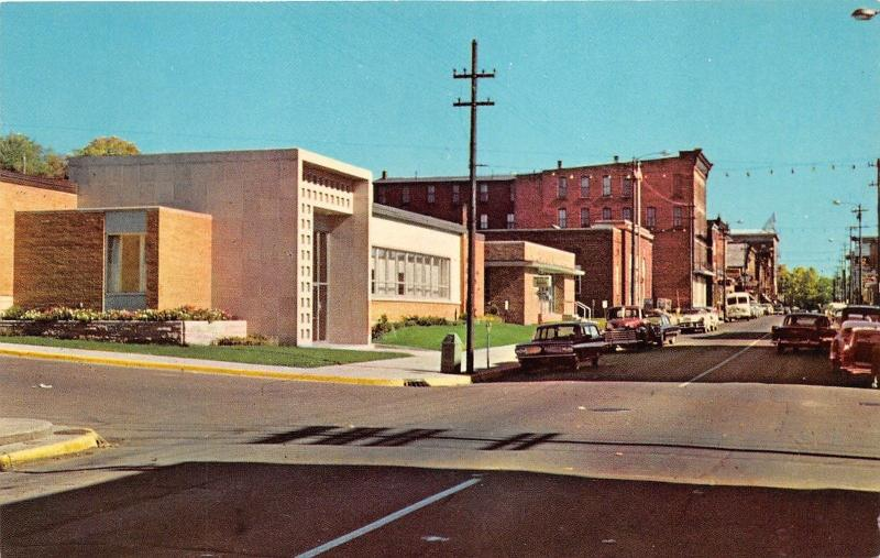 Hancock Michigan~Quincy Street in Downtown~50s/60s Cars & Pickup Truck~Postcard