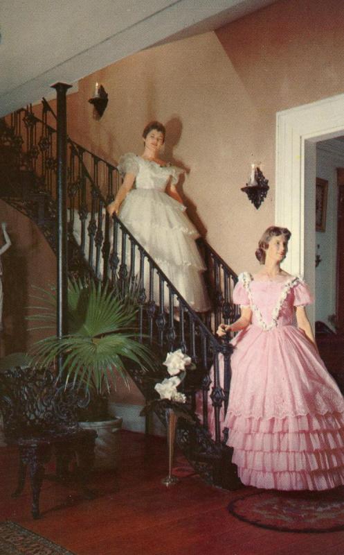 MS - Natchez. The Elms, Stairway