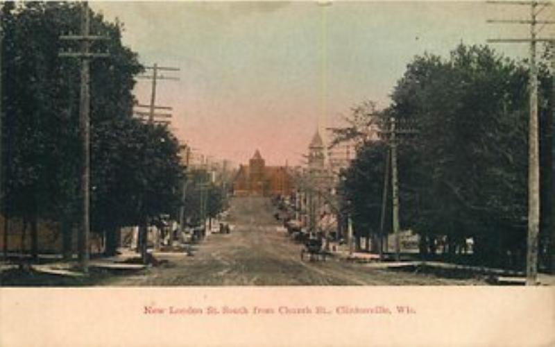 1910 CLINTONVILLE, WISCONSIN New London Church St 381 postcard