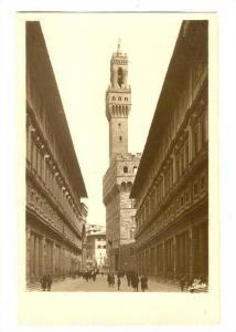 FIRENZE, Il portico degli Uffizi, Palazzo Vecchio, Toscana, Italy, 00-10s