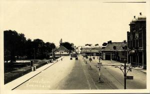 indonesia, JAVA SOERABAIA, Stadstuin, Pakketpost, Tram (1920s) RPPC Postcard