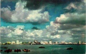 Long Beach CA Skyline and Harbor Postcard unused (20134)