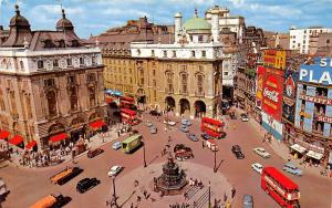 England London Piccadilly Circus panorama