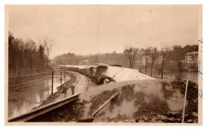 Vermont  Proctor ,  Railroad cars off track  damaged by flood, RPC