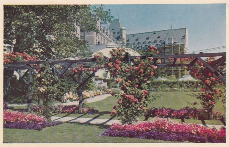 VICTORIA , B.C. , Canada , 1954 ; Empress Hotel Gardens