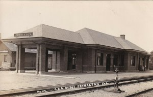 RP: PRINCETON , Illinois , 00-10s ; C.B.Q. Railroad Depot