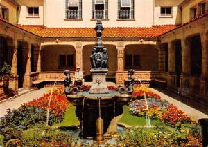 Bad Nauheim Schmuckhof im Badehaus Brunnen Fountain Statues