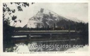 Banff, Alberta Canada, du Canada Bow River Bridge, Mt Rundle  Bow River Bridg...