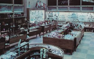 KEYSTONE , South Dakota , 1950-60s ; Mount Rushmore Gift Shop , Interior