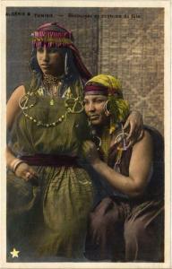 CPA Algerie & Tunisie Bedouines en costume de fete Algerie (735626)